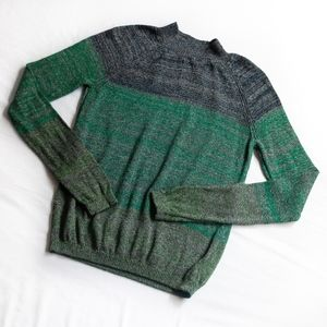 AMERICAN APPAREL • TWO TONED TURTLE NECK SWEATER